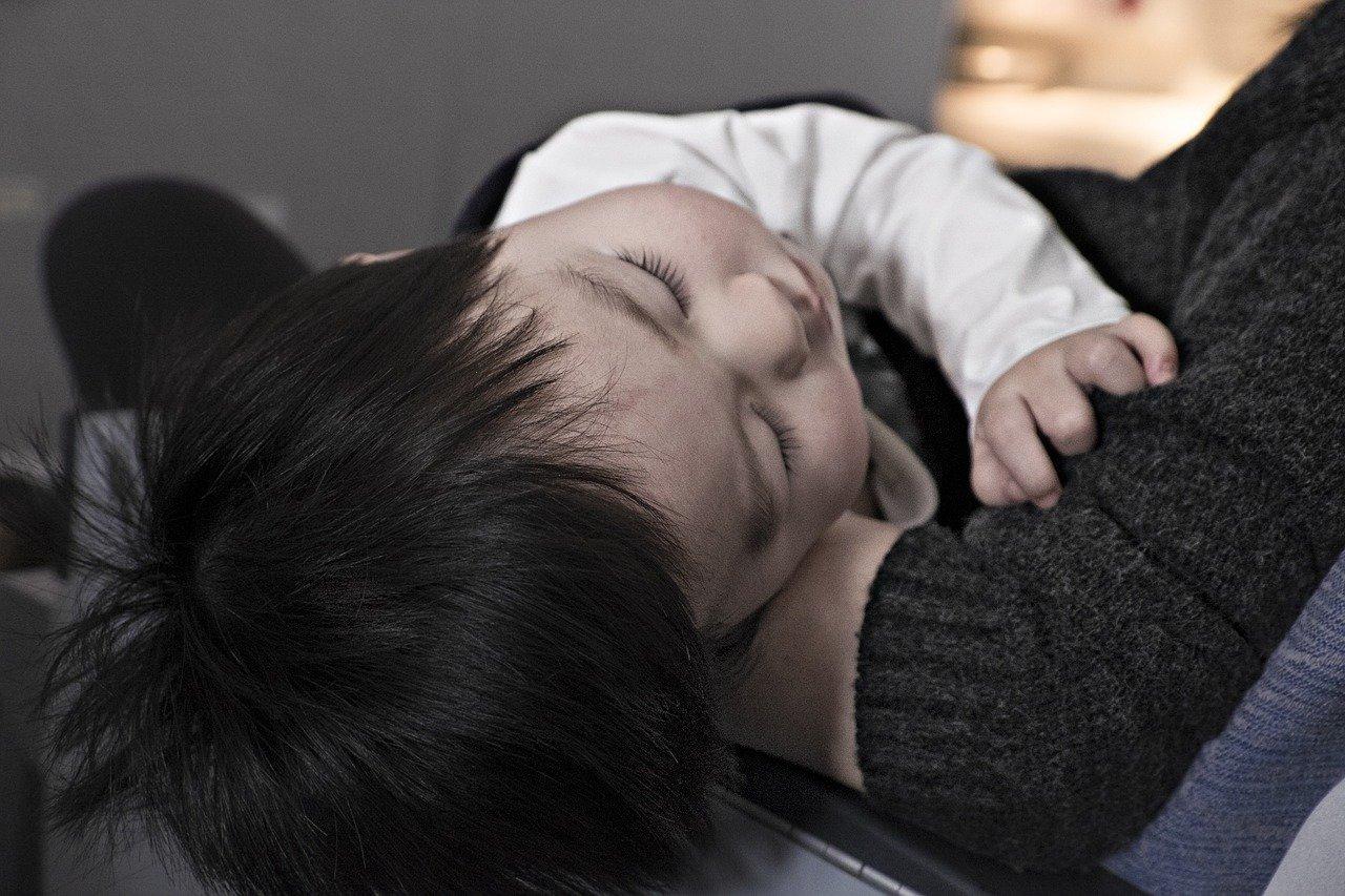 Vómitos en bebes, niños y niñas