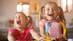 niñas cantando