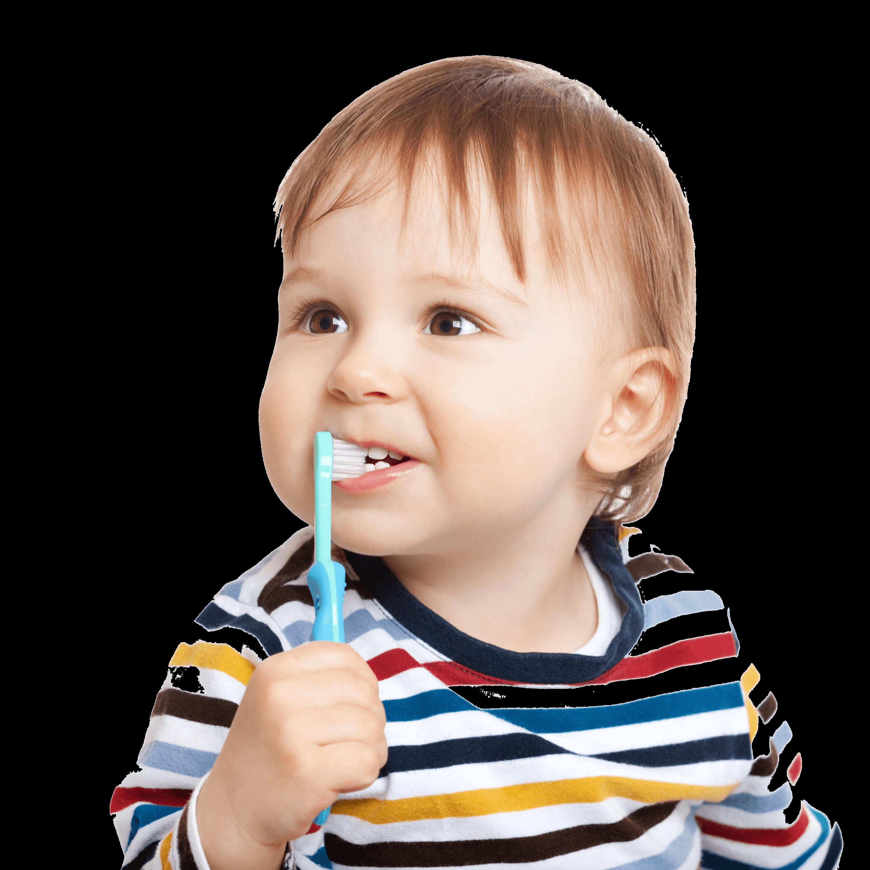 bebe lavandose los dientes