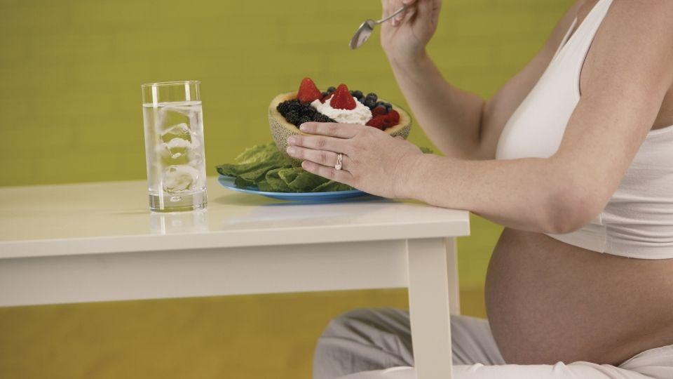 hidratarse en el embarazo