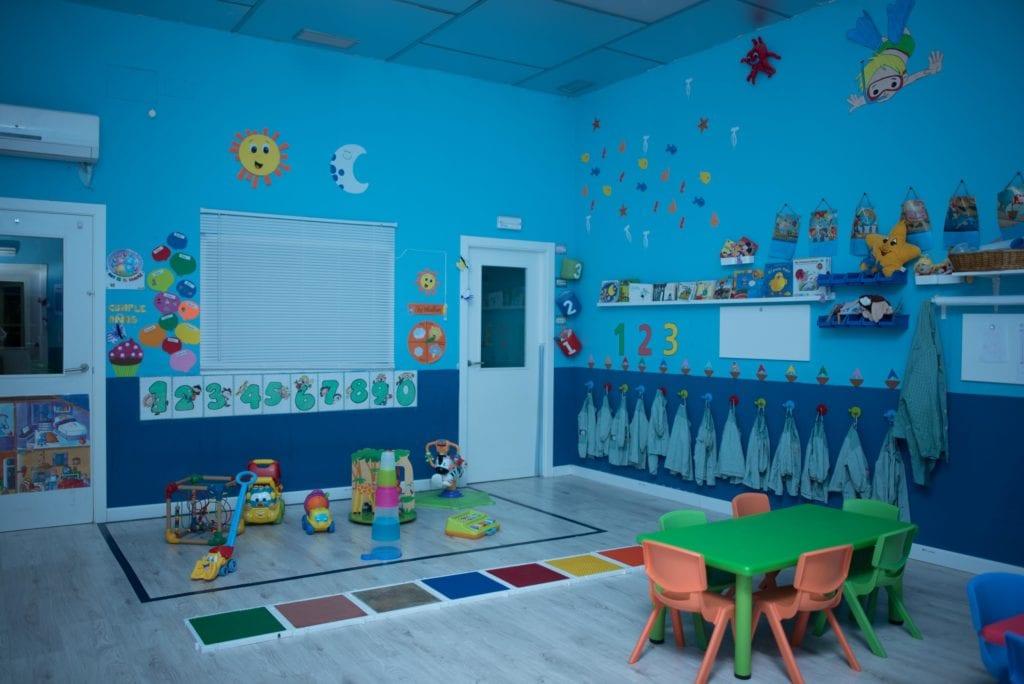 Clase azul en la guardería de Albacete los mundos de Noa