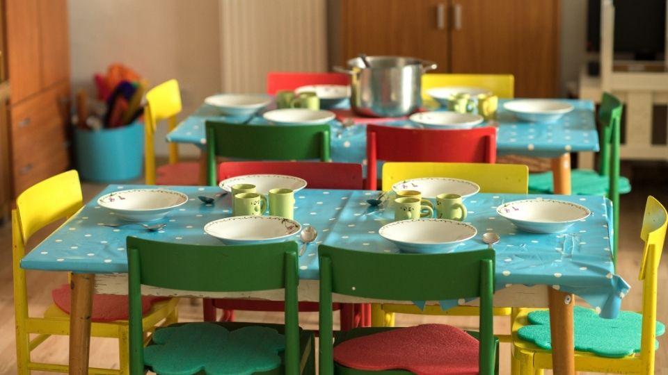 comedor infantil en una guardería privada